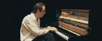 'Shut Up and Play the Piano', el documental que nos descubre al talentoso Chilly Gonzales