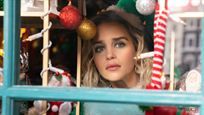 Emilia Clarke es un elfo navideño en las primeras imágenes de la comedia romántica 'Last Christmas'