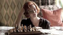 'Gambito de Dama', 'The Crown' y 'El Juicio de los 7 de Chicago', las favoritas para los Globos de Oro 2021