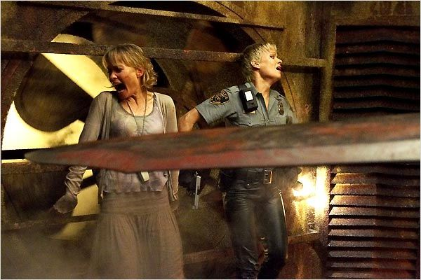 Silent Hill : Foto Laurie Holden, Radha Mitchell