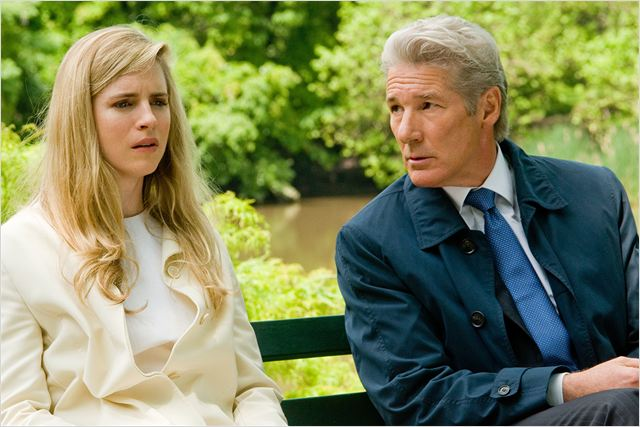 El fraude : foto Brit Marling, Richard Gere