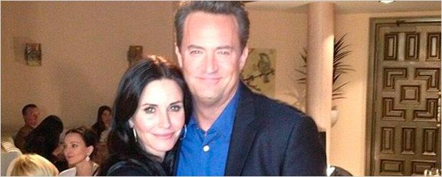 Matthew Perry hace posible la reunión de 'Friends'... En 'Cougar Town'