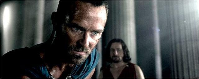 Sullivan Stapleton quiere secuela de '300: El origen de un imperio'