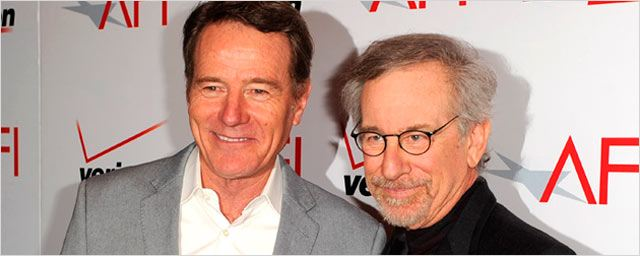 Bryan Cranston y Steven Spielberg adaptarán la obra de Broadway 'All the Way' para HBO